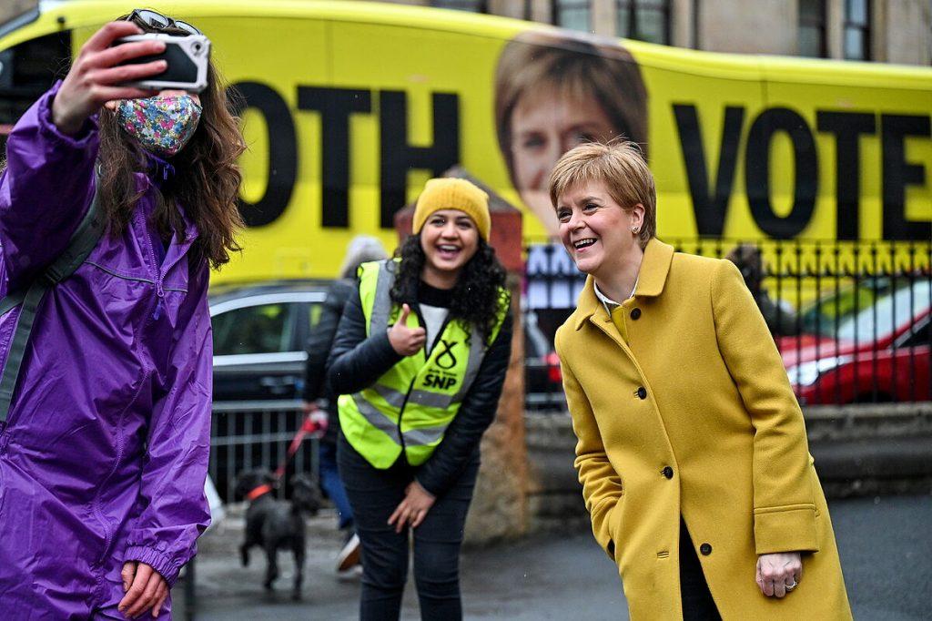 اسکاتلند در مهمترین انتخابات دهه اخیر در حال تصمیم گیری درباره آینده خود است