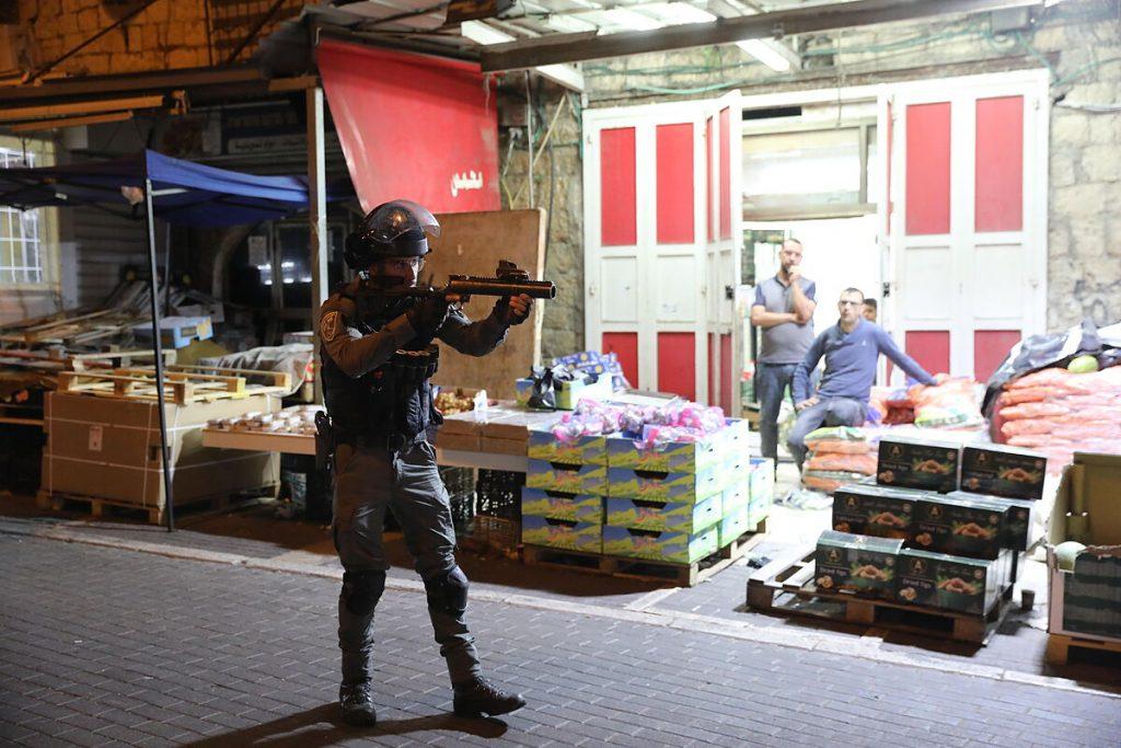 حداکثر تنش در بیت المقدس پس از شورشهای خشونت آمیز در صفحه مساجد