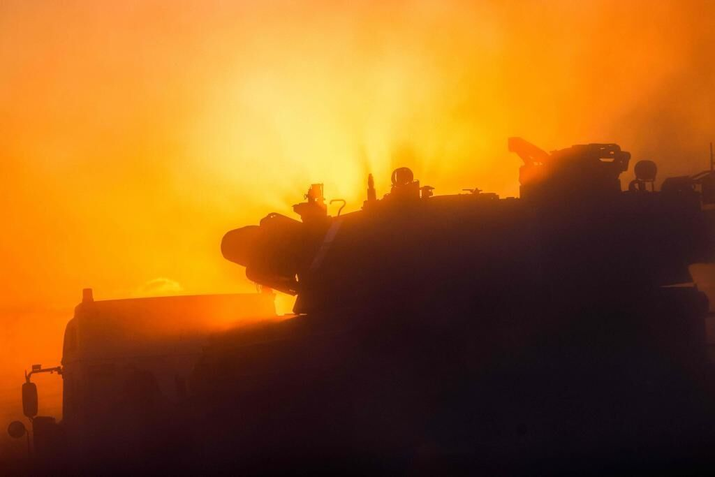 اسرائیل غزه را از طریق زمینی و هوایی بمباران می کند که منجر به کشته شدن بیش از 120 نفر می شود