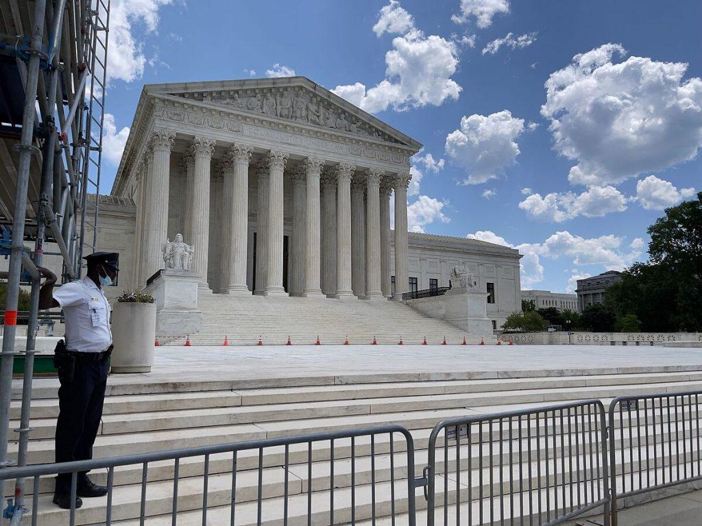 دادگاه عالی ایالات متحده در حال بررسی قانون محدود کردن سقط جنین در ایالت می سی سی پی است