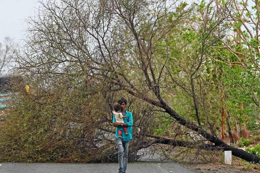 تقریباً دویست نفر در هند از طوفان Tauktae ناپدید شده اند
