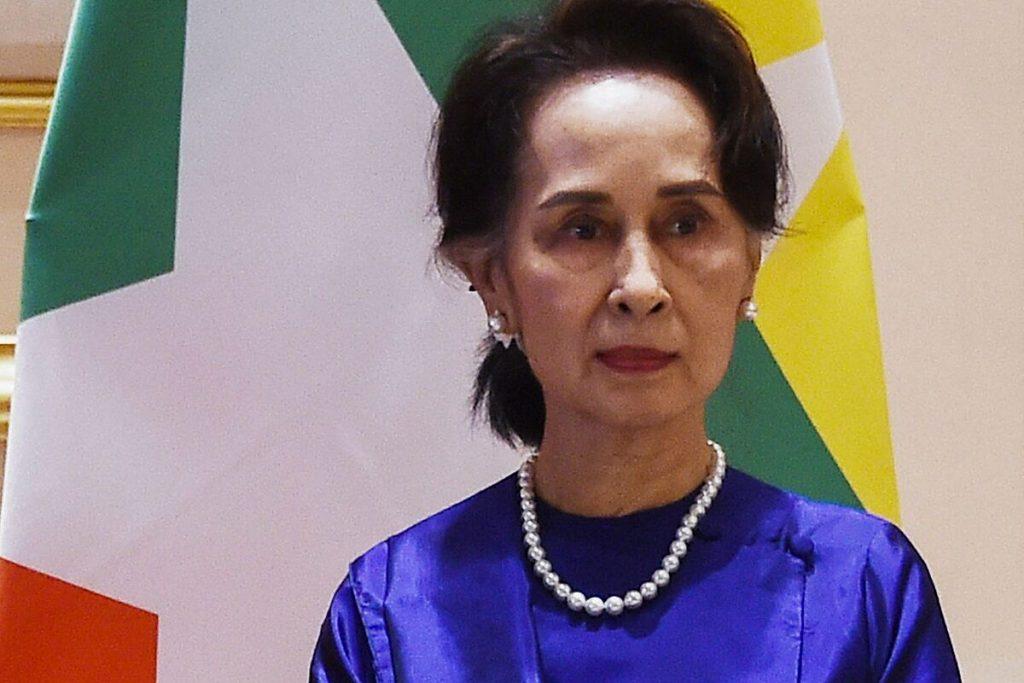 """سوچی می گوید حزب وی که در برمه سرنگون شده است """"تا زمانی که مردم وجود داشته باشند وجود دارد."""""""