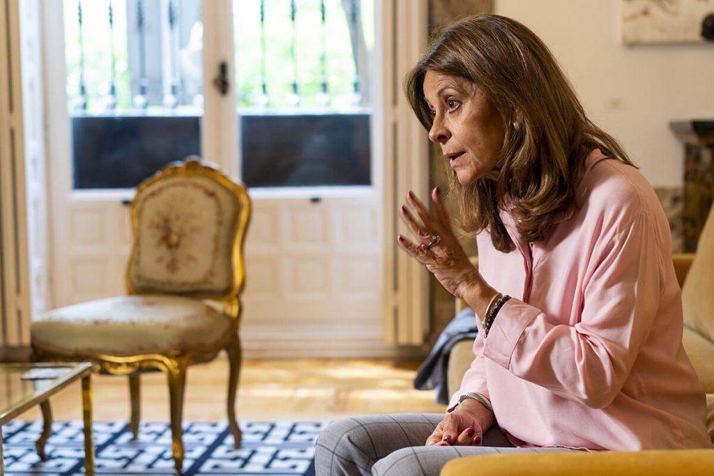 """مارتا لوکا رامرز ، معاون رئیس جمهور کلمبیا: """"پوپولیسم نفرت از گذشته را ایجاد می کند و به دنبال پاک کردن تاریخ است"""""""