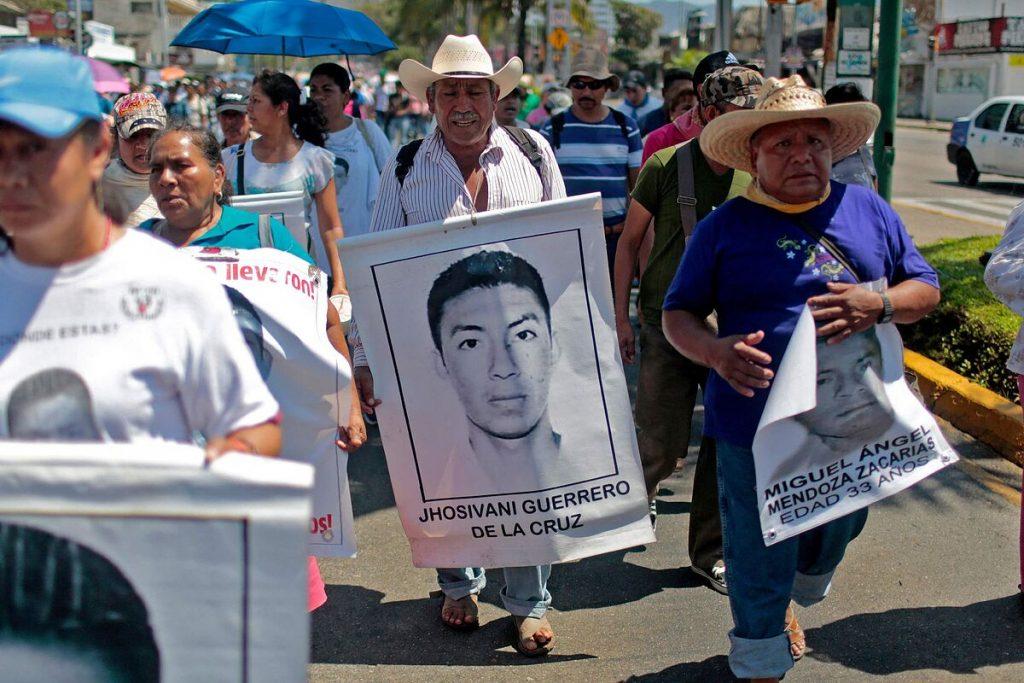 آنها سومین دانشجوی 43 مکزیکی را که در سال 2014 ناپدید شده اند ، شناسایی کردند.