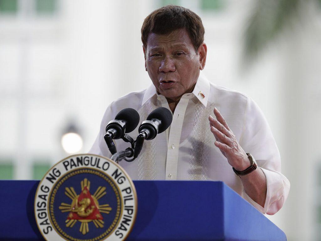 رودریگو دوترته تهدید می کند که فیلیپینی هایی را که علیه کووید واکسینه نشده اند ، زندانی خواهد کرد