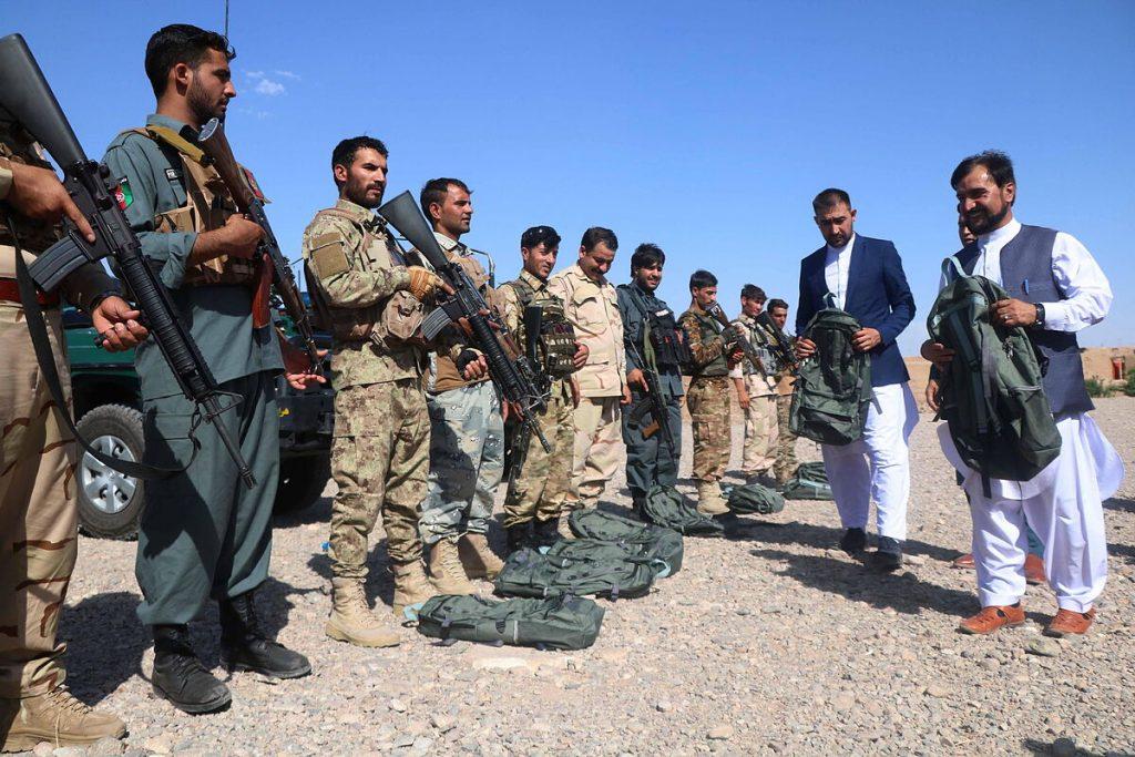 بیش از هزار سرباز افغان از طالبان به تاجیکستان فرار می کنند