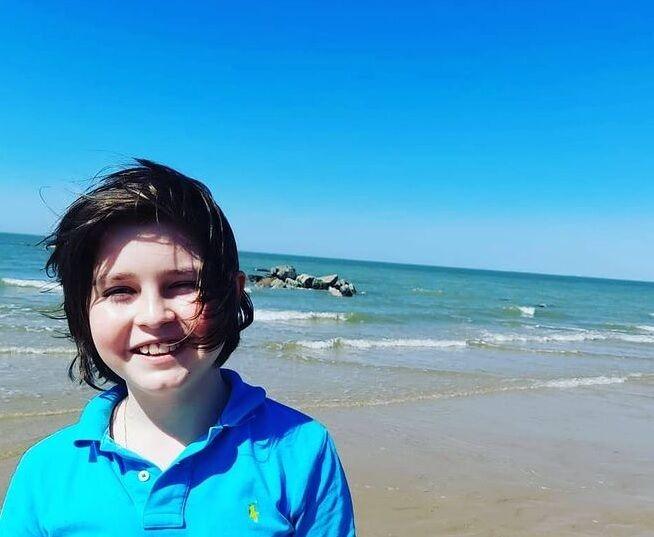 یک پسر 11 ساله در 9 ماه در حال گذراندن دوره فیزیک در آنتورپ است