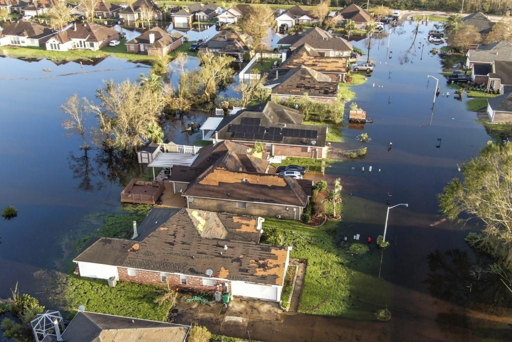 طوفان ایدا ویرانی ، سیل و دستکم چهار کشته در ایالات متحده برجای گذاشت