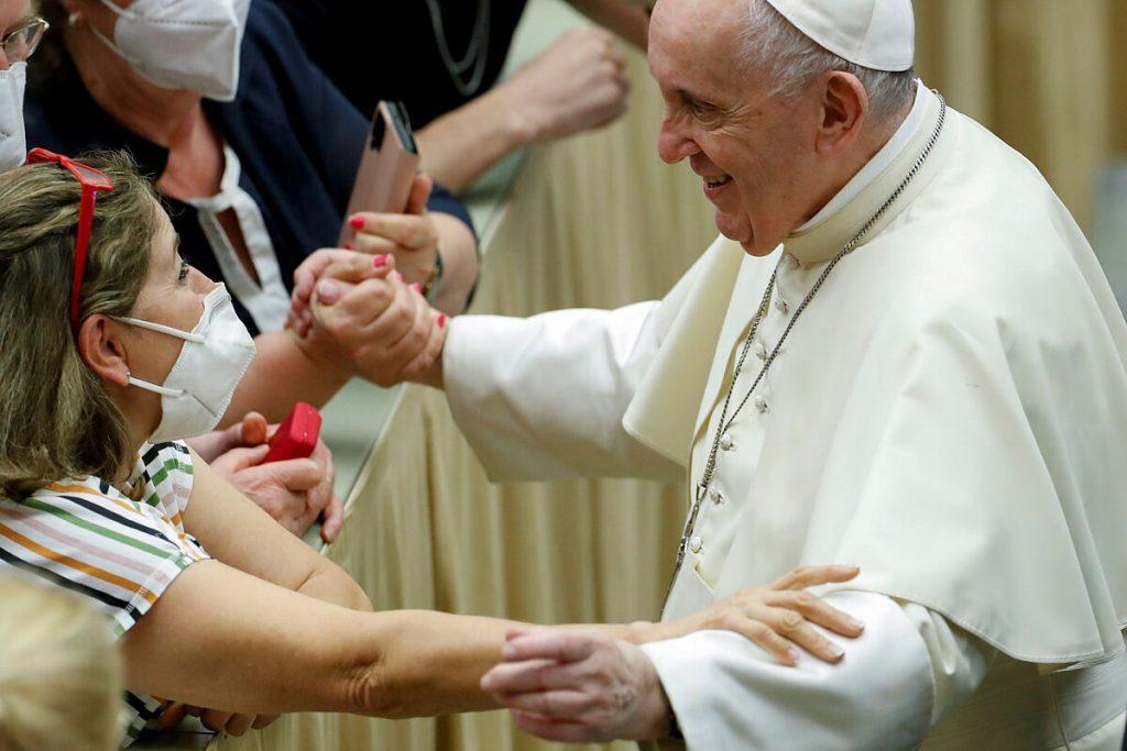 پاپ فرانسیس اظهار داشت که بردگی زنان هنوز هم وجود دارد